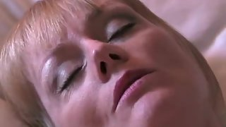 Chesty mature mistress gets her labia creampied in the hotel room