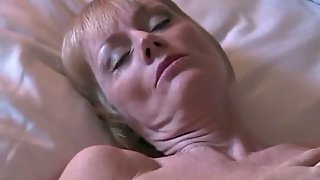 Mature blonde wife gets another creampie making homemade sex